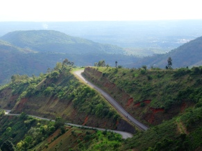 Big climb to Mapanda from Nyanza-Lac, Burundi