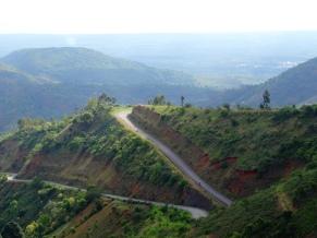 Big climb to Mapanda from Nyanza-Lac, Burundi